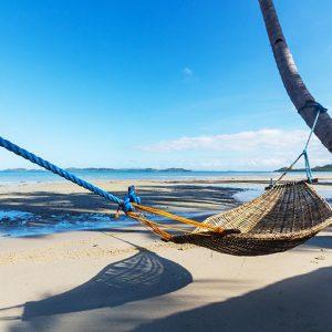 tropical-beach-PSXD4ZR
