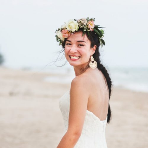 beautiful-bride-by-the-sea-MS2A97G