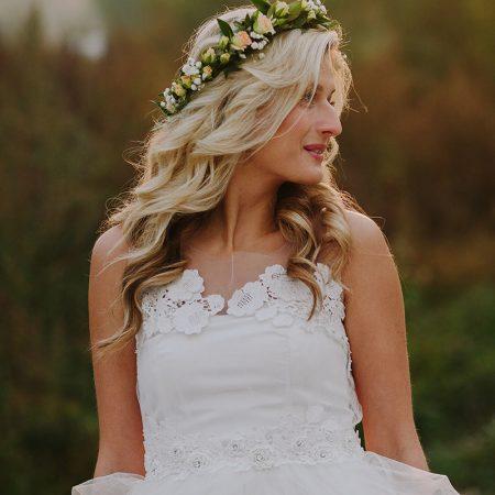 beautiful-model-girl-in-a-white-wedding-dress-PYHGBQQ